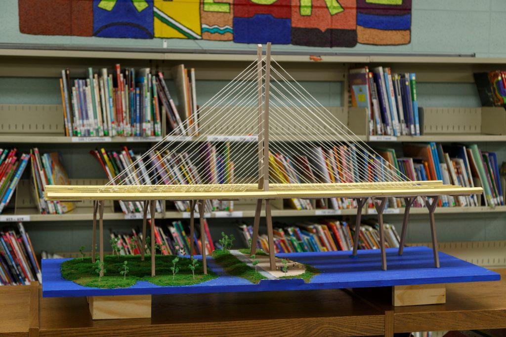 New Champlain Bridge replica – Good Sheperd Elementary school (Brossard)